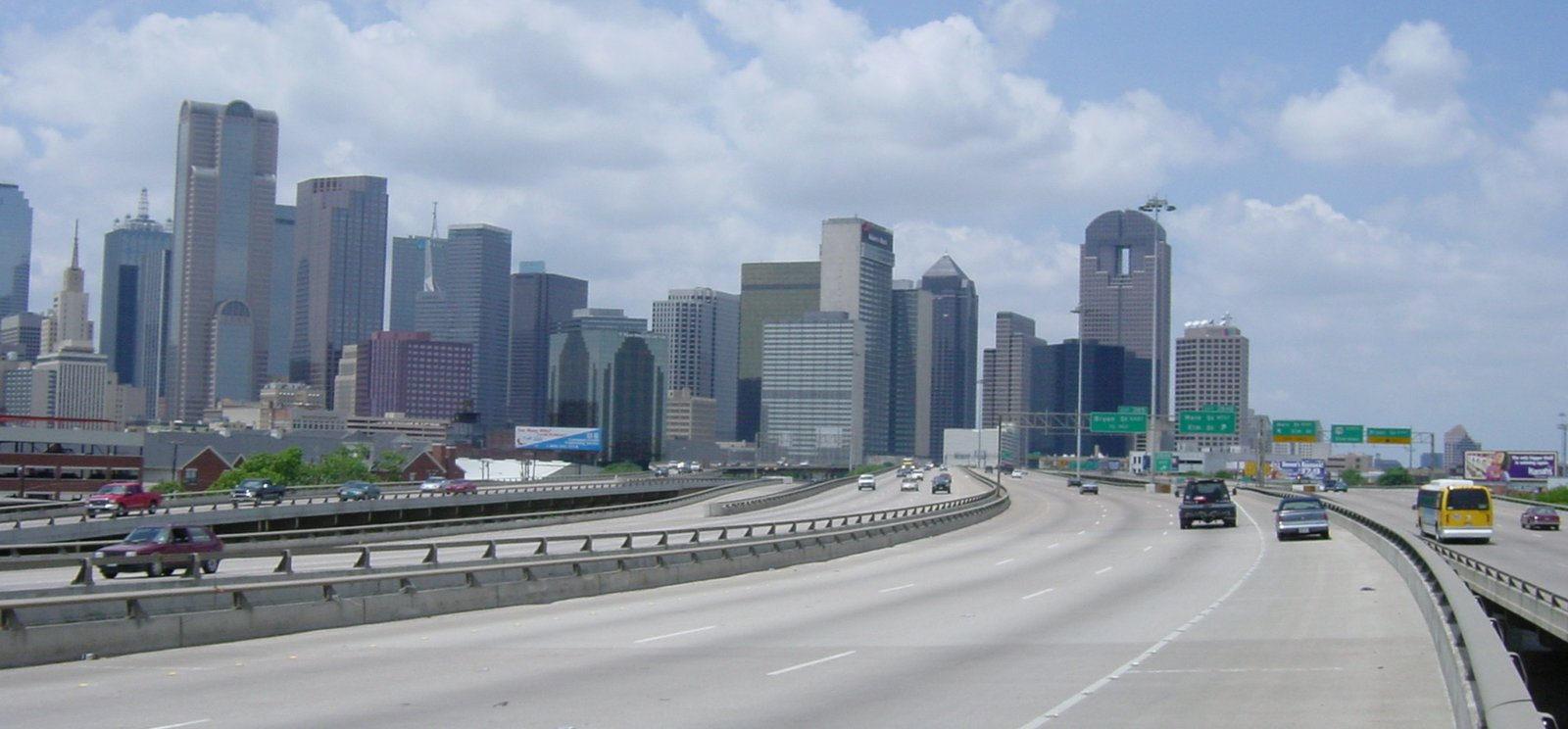 i45_downtown_elevated_12-may-2001_hres.jpg